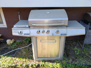 Cuisinart Gas Barbecue 905 902 8022
