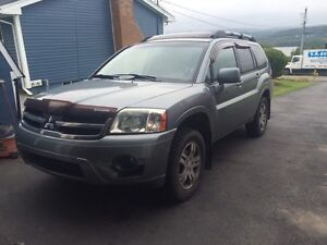 2007 Mitsubishi Endeavour AWD, with Warrenty
