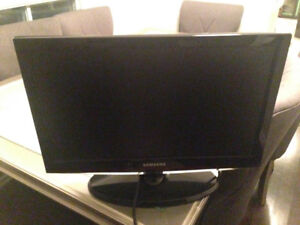 TV for sale (used 2 months)