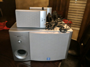 YAMAHA TYROS SPEAKER AND WOOFER SET