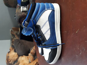 Size 3 boys shoes BRAND NEW NEVER WORN