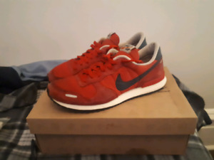 Nike Air sneakers - Size 10