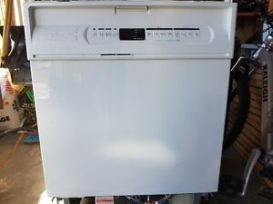 High End Maytag Diswasher - White - Mint Condition