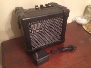 Roland Micro Cube amplificateur portatif portable guitar amp