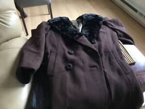 Woman's wool coat with real fur  collar