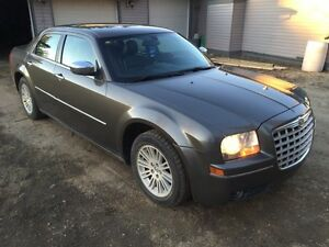 2010 Chrysler 300, touring edition