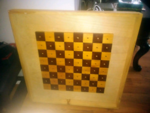 Chess/checkers table with legs