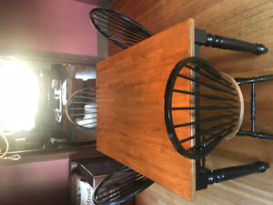 Farmhouse Table & Chairs looking for new home
