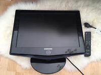 Samsung wall flat screen tv