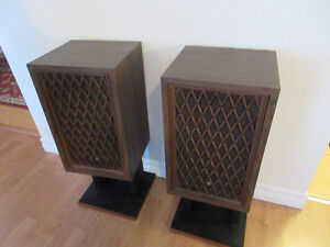 Stereo Speakers Vintage Excellent Sound Well Built