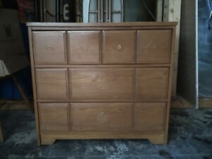 Solid wood dresser with 3 drawers
