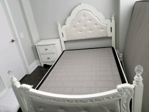 Full size Poster Bed with two drawer nightstand