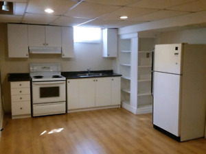 1 bedroom Basement/apartment-sep entrance
