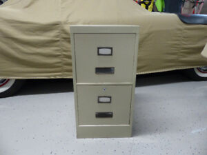 Metal 2 drawer file cabinet