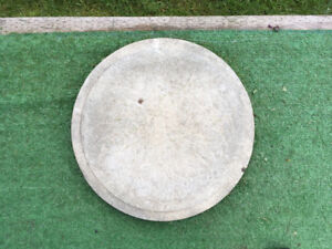 """11 - 17"""" Round cement steppping stones"""