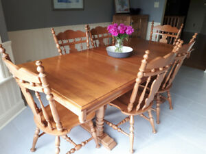Roxton Solid Canadian Maple Dining Table