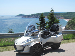 2014 CAN AM SPYDER RTS-SE6 IN IMMACULATE CONDITION