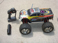 RC TRAXXAS NITRO TMAXX WITH UPGRADED .21 OFNA PICCO ENGINE