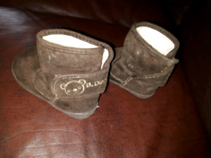 Toddler size 5 fall boots
