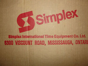 Industrial electric glass cover clock new in box $60.00 Belleville Belleville Area image 4