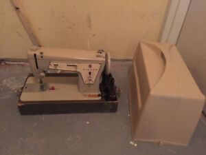 Kenmore metal sewing machine 237 with case