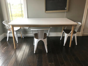 Dining table - Moving sale