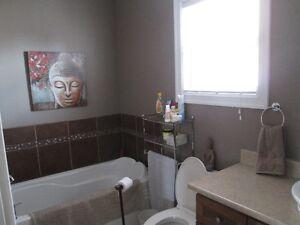 MAGNIFIQUE maison a vendre Saguenay Saguenay-Lac-Saint-Jean image 3