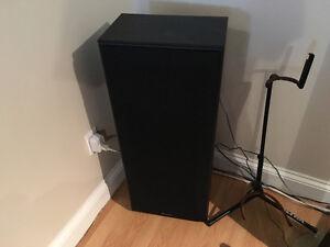 Technics 150 watt tower speakers