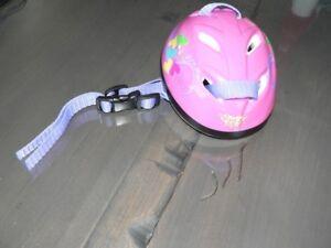 Charmant petit casque de vélo pour poupée standard