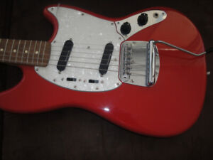 SQUIER FENDER V M MUSTANG ELECTRIC GUITAR BRAND NEW $360