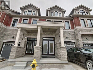 Stunning Vaughan Townhome For Sale