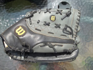 Mens  LH Catch Softball Glove