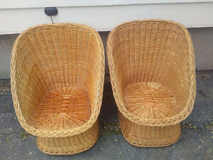 2  Wicker Real Wood Seat Chair Backyard Furniture