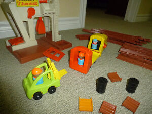 Fisher Price Vintage Lift and Load Railway
