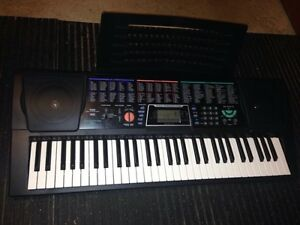 Keyboard Concertmate 980 with adapter, and bag