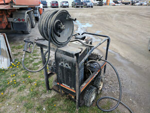 HOT WATER PRESSURE WASHER (3000 PSI)