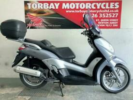 YAMAHA X-CITY 125 MAXI SCOOTER 3 OWNERS FSH 2010 10 PLATE WITH TOP BOX