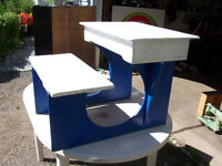 Toddlers Desk With Flip Up Top For Storage (Wooden)