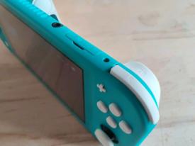 Original Nintendo Switch LITE + Game