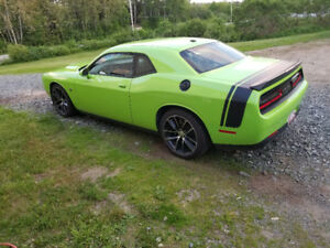 2015 Dodge Challenger R/T Scat Pack 6.4L Manual