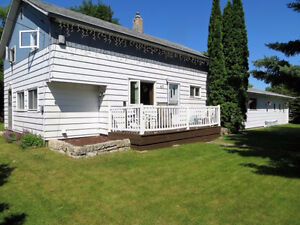 Spacious Home in MacGregor with Double Garage