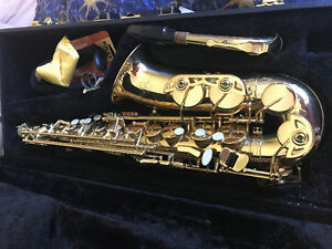 Next to New Alto and Soprano Saxophones for Sale