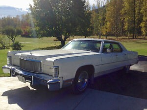 Collector 1974 Lincoln Continental