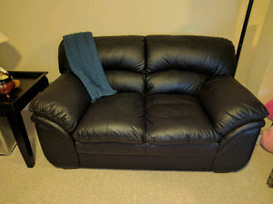 Black leather couch set, excellent condition