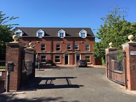Stunning double room modern city centre townhouse Malone Lisburn road