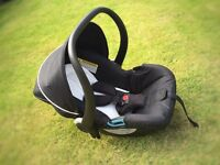 Silver Cross car seat and unopened 3D isofix base