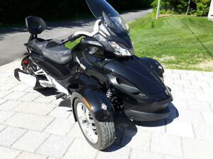 can am spyder( financement disponibles)