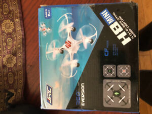 H8 MINI DRONE REALLY FLYS BRAND NEW IN BOX $20
