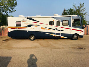 2005 Coachmen Aurora Motorhome 3480  with 2004V-10 Ford Chassis.