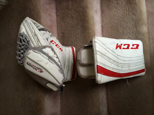 Intermediate ccm goalie gloves
